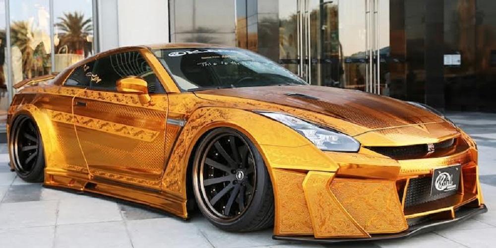 سيارة من الذهب بمليون دولار