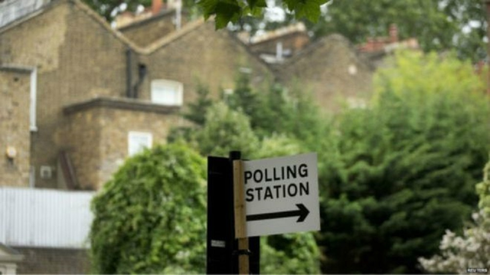 البريطانيون يدلون بأصواتهم في استفتاء بشأن عضوية بلادهم في الاتحاد الأوروبي