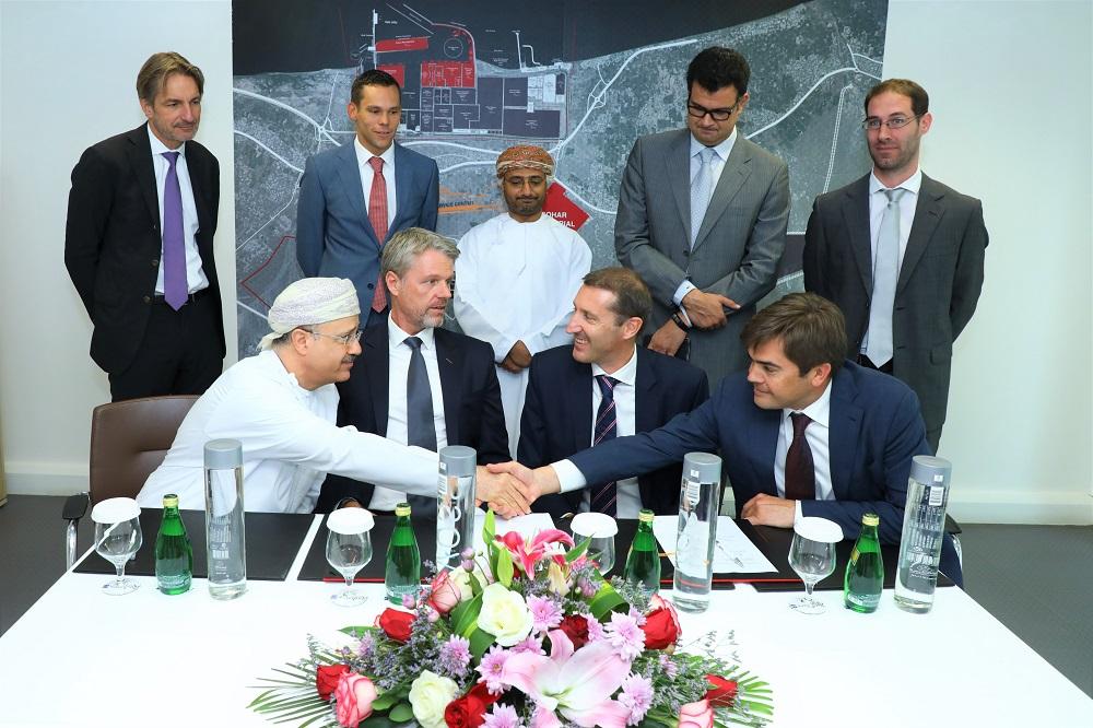 شركة ميناء صحار توقع اتفاقية توسيع الجزء الجنوبي من الميناء المرحلة الأولى