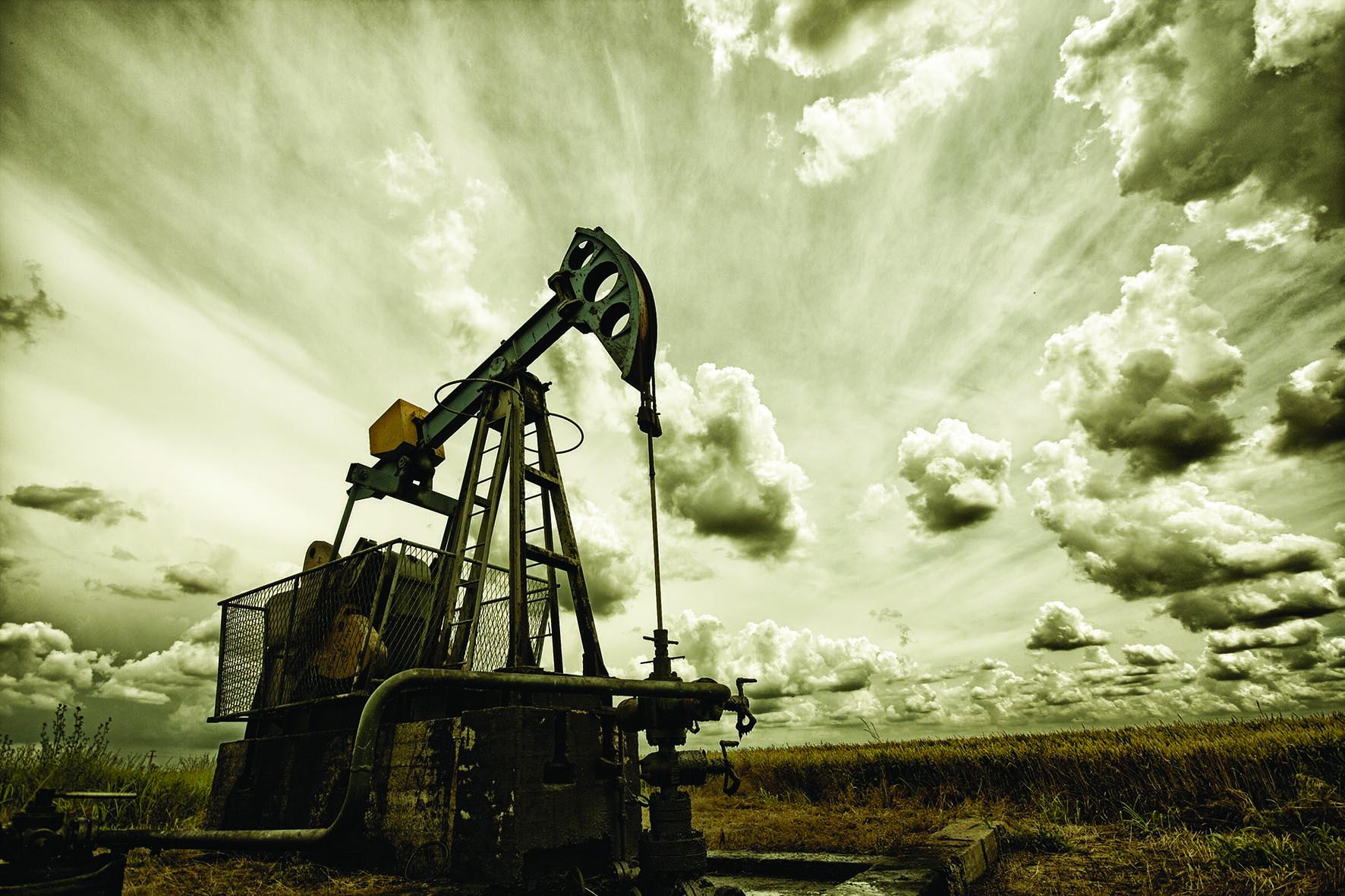 ضخ استثمارات كبيرة لتطوير قطاع النفط والغاز